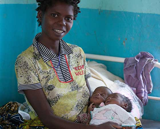 """Adopt a belly"": Safe Maternity in Congo"